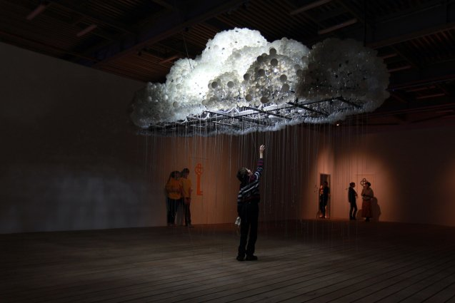 Stijlmagazine- Kunst- Art-CLOUD-crowd-6