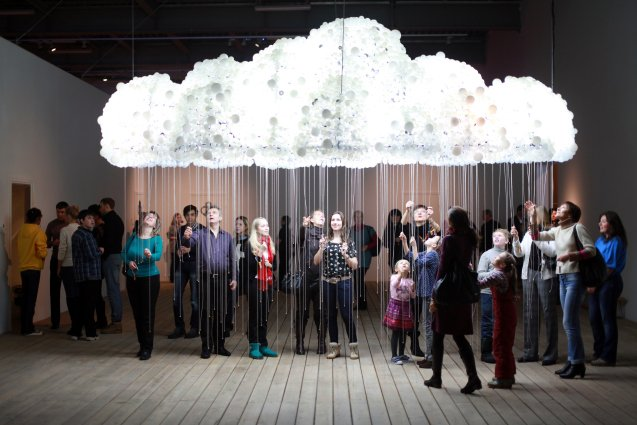 Stijlmagazine- Kunst- Art-CLOUD-crowd