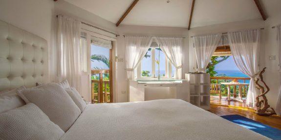 Geejam resort boomhut slaapkamer